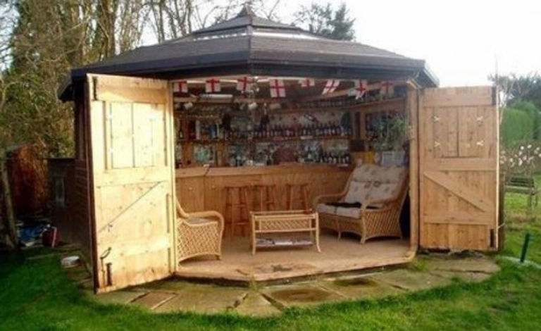 Heres Why Tiny Bar Sheds Are The Hottest New Trend
