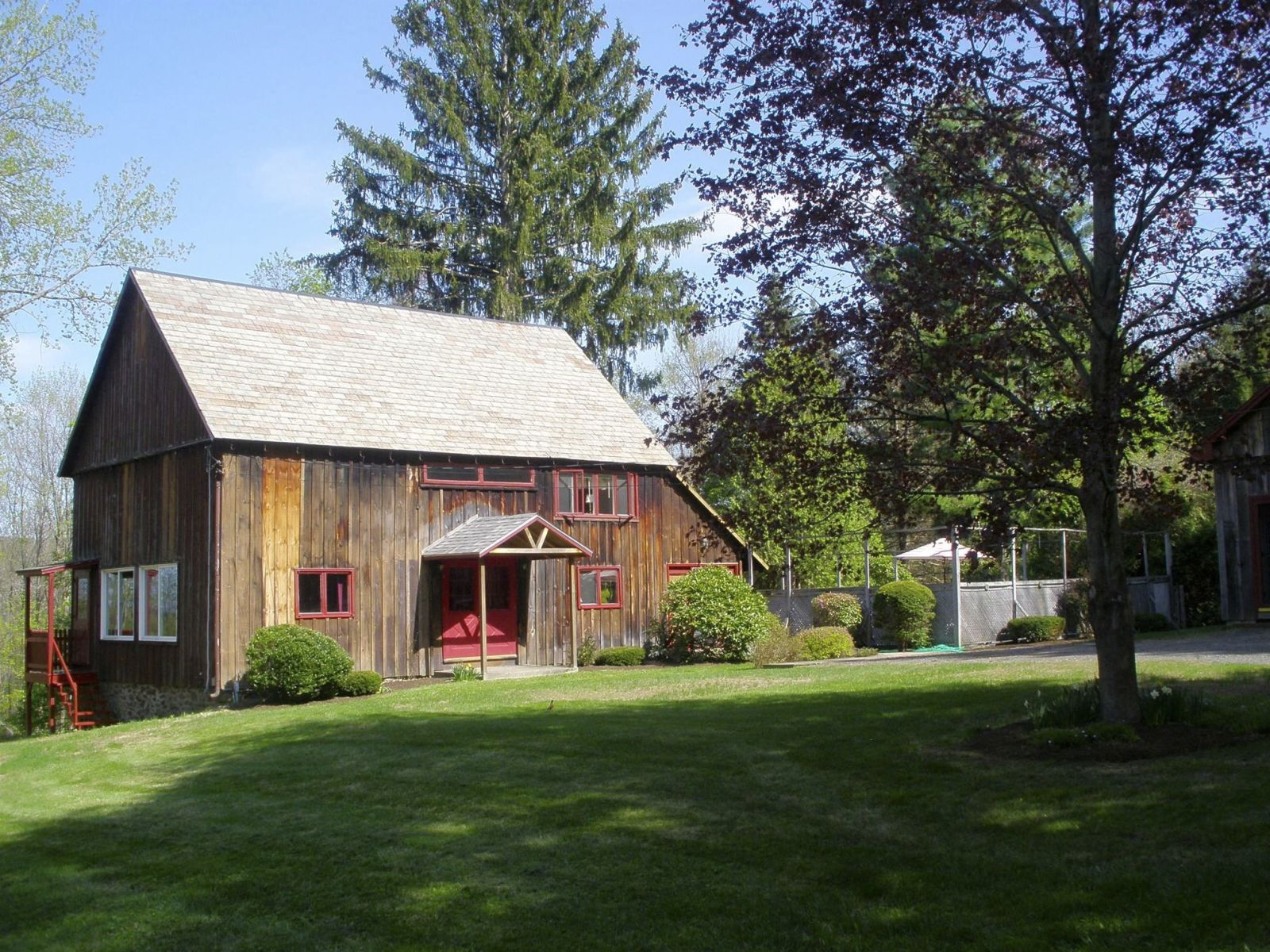 6 barn homes for sale across america barns for sale for Homes in usa for sale
