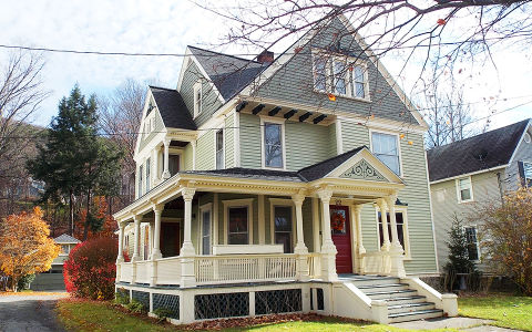historic homes for sale under 150 000 in america here 39 s what a budget of 150k will buy you. Black Bedroom Furniture Sets. Home Design Ideas