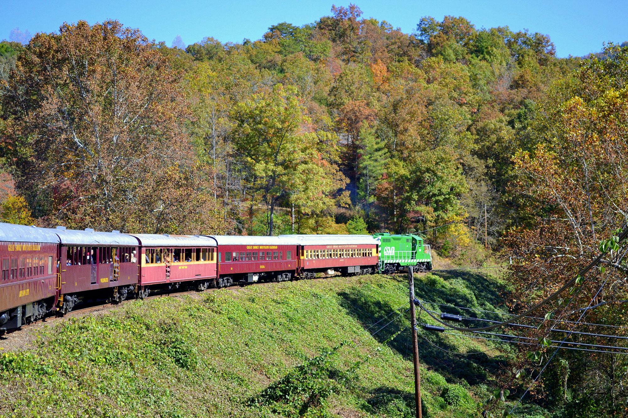 100 New England Fall Foliage Amtrak Vacations The