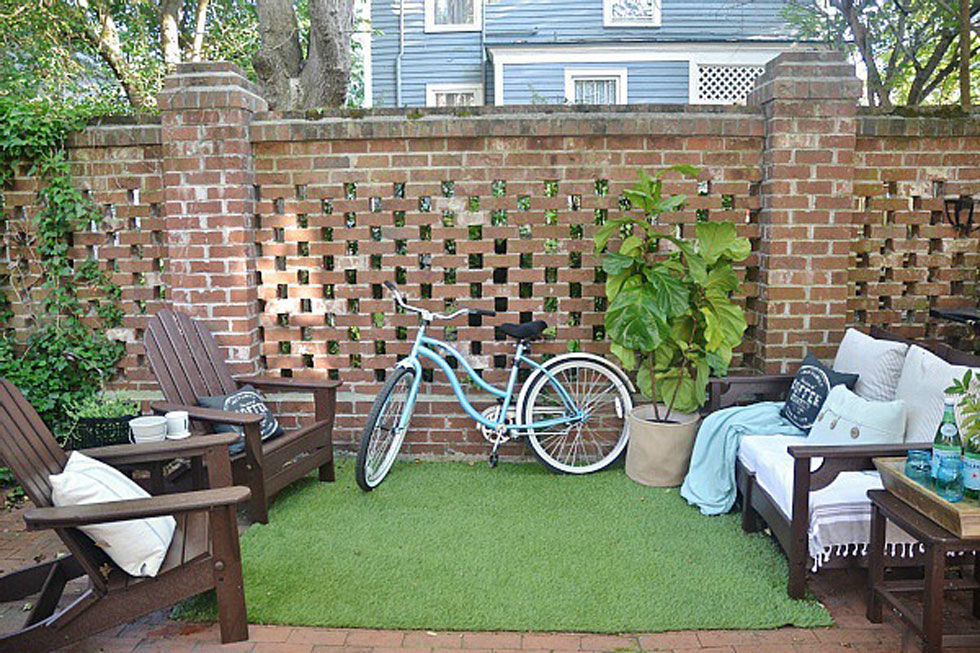 8 faux grass rug - Backyard Space Ideas