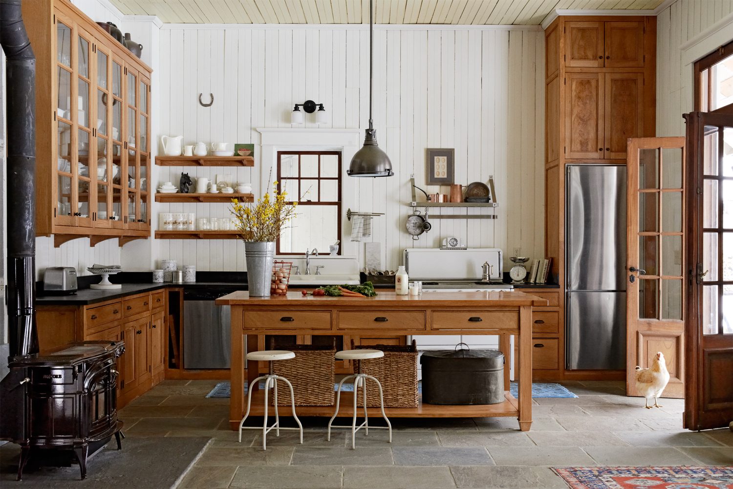 8 ways to add authentic farmhouse style to your kitchen - Country style kitchen cabinets ...