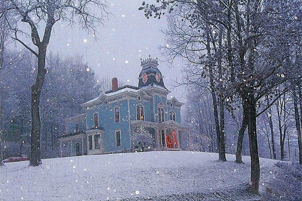 The perfect christmas house historic homes for sale in for Home builders in vermont