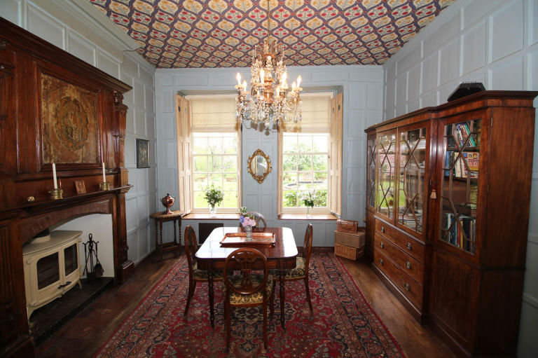 the dowager countess' house from downton abbey is up for sale