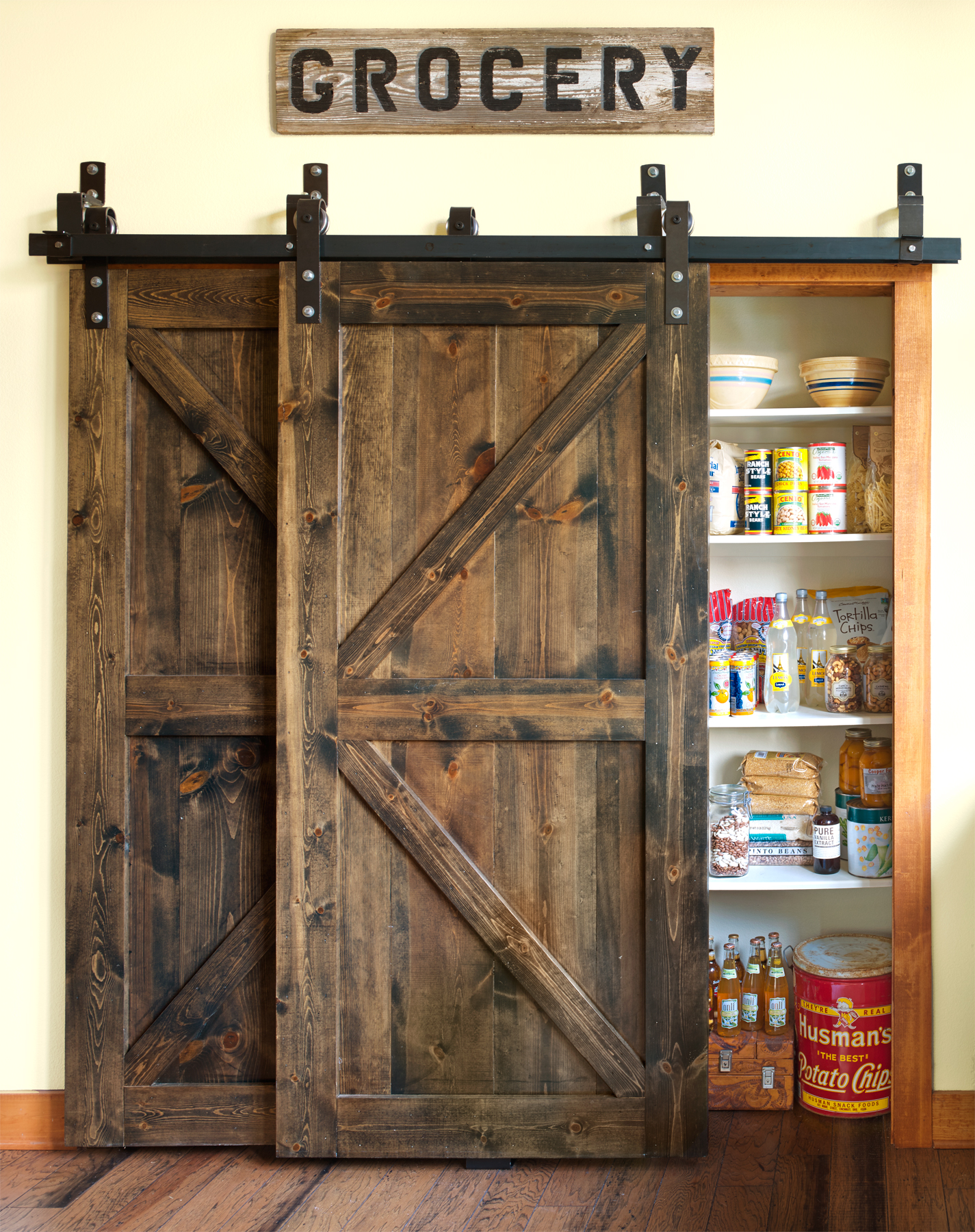 20 best barn door ideas ways to use a barn door for Country kitchen pantry ideas