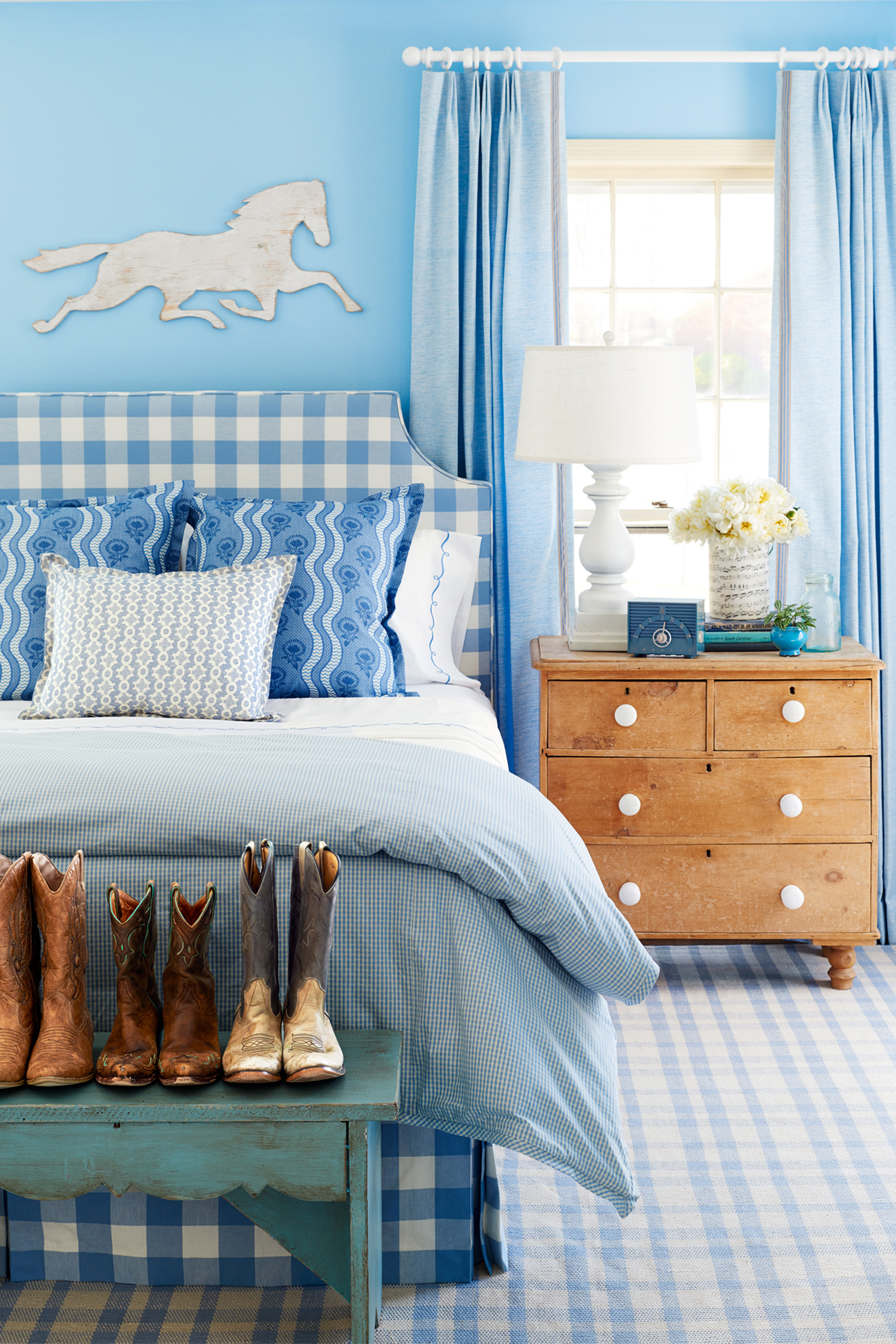 Bedroom wall decorating ideas blue - Bedroom Wall Decorating Ideas Blue 35