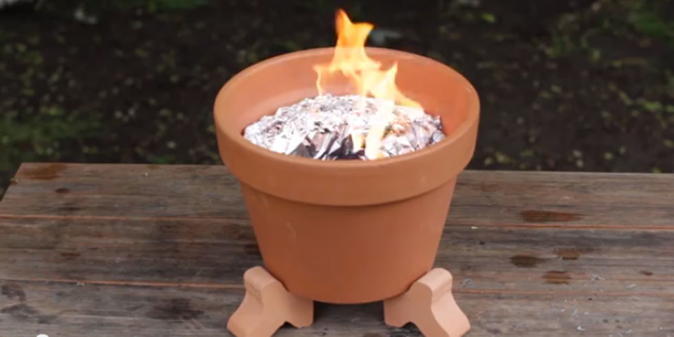 Turn A Terracotta Pot Into A Mini Barbecue For On The Go