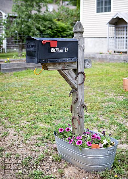 8 easy diy mailbox designs decorative mailbox ideas for Best mailbox design