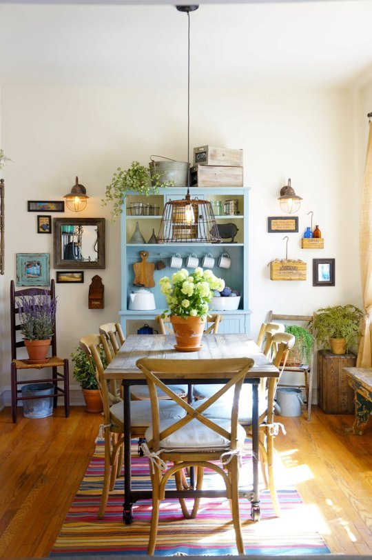 We're Crushing on the Primitive Country Decor in This City Apartment