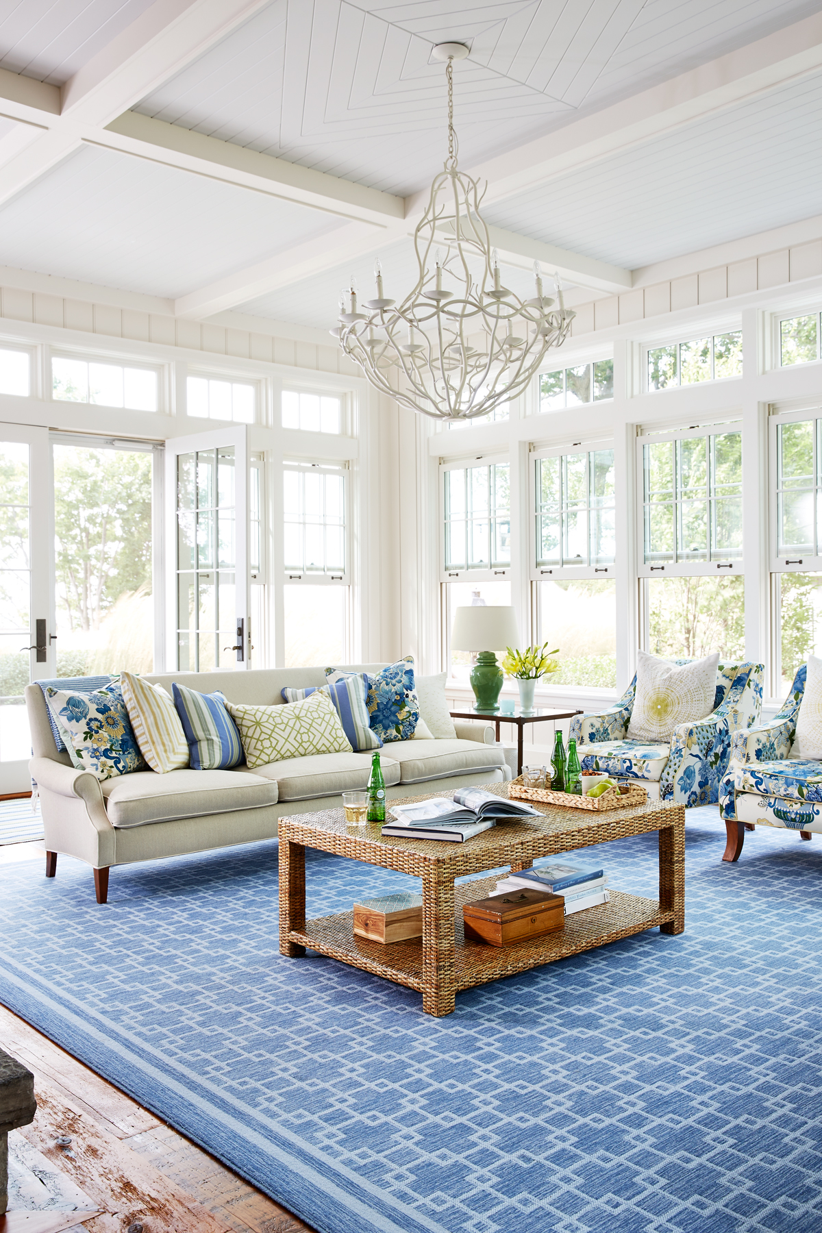 Mansion Drawing Room: Sarah Richardson Lake House
