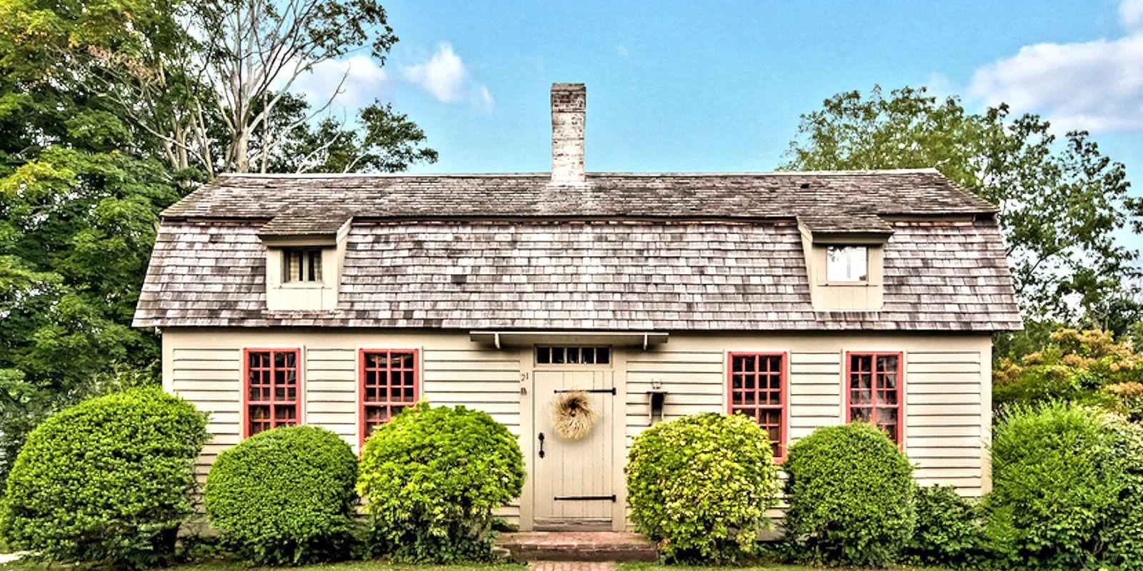 Characteristics of a cape cod style cottage historic for Cape cod architecture