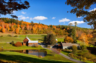 50 Of The Best Small Towns For Fall Foliage