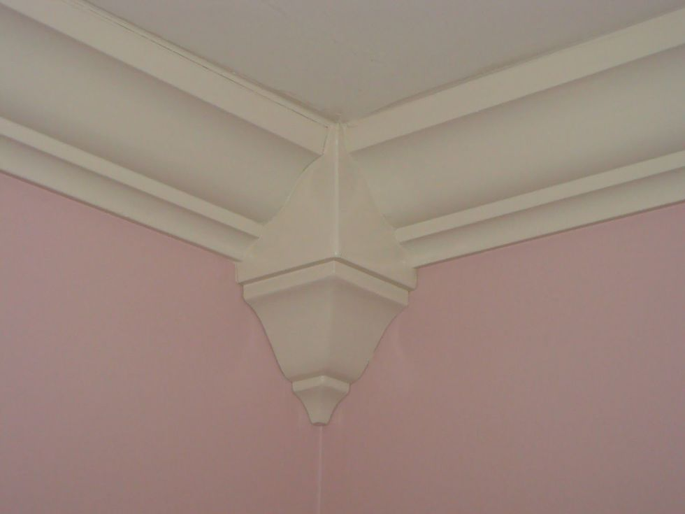 Easy Crown Molding. How to Fake Molding   DIY Wainscoting