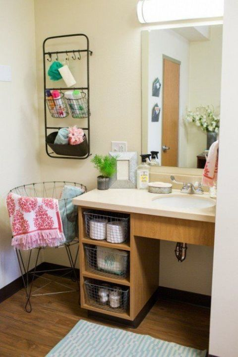 Joanna gaines dorm room makeover magnolia homes decorating for Cute bathroom ideas for college
