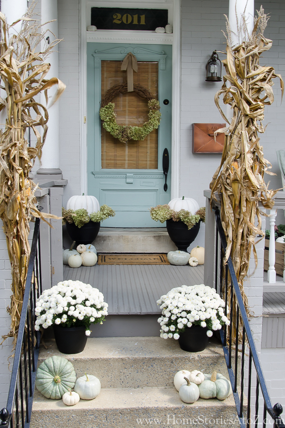 37 fall porch decorating ideas ways to decorate your porch for fall - Porch Decorating Ideas