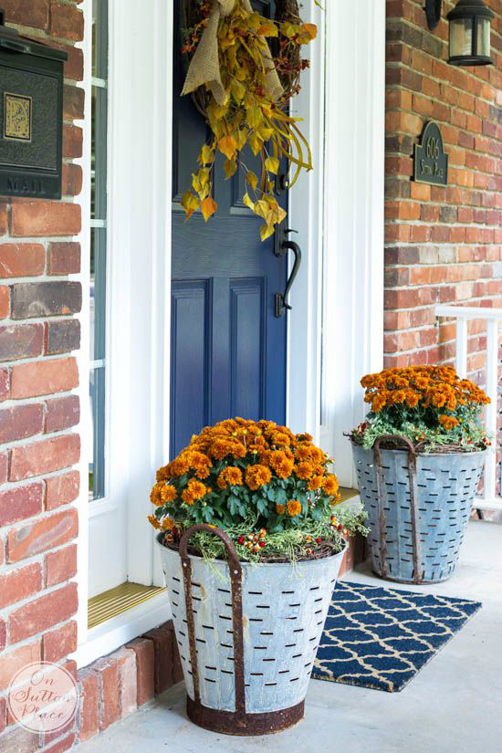 37 fall porch decorating ideas ways to decorate your porch for fall - Porch Decor