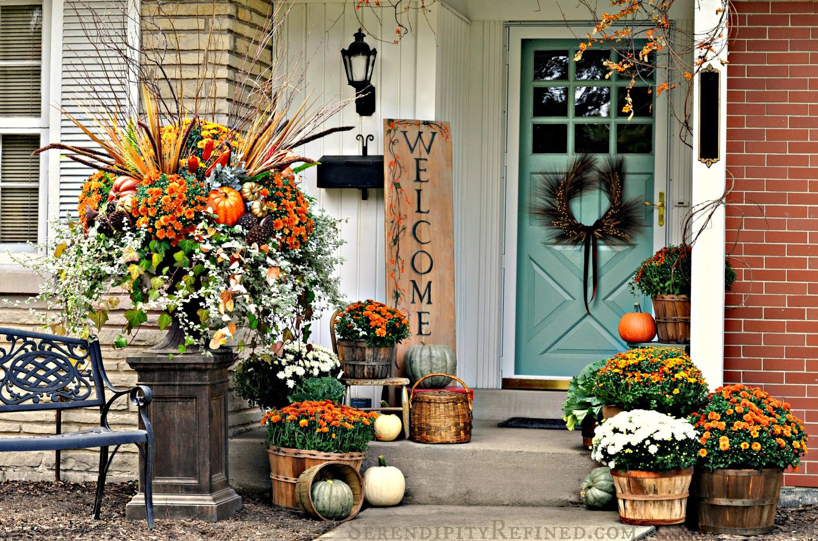 Outdoor fall decorating ideas front porch -