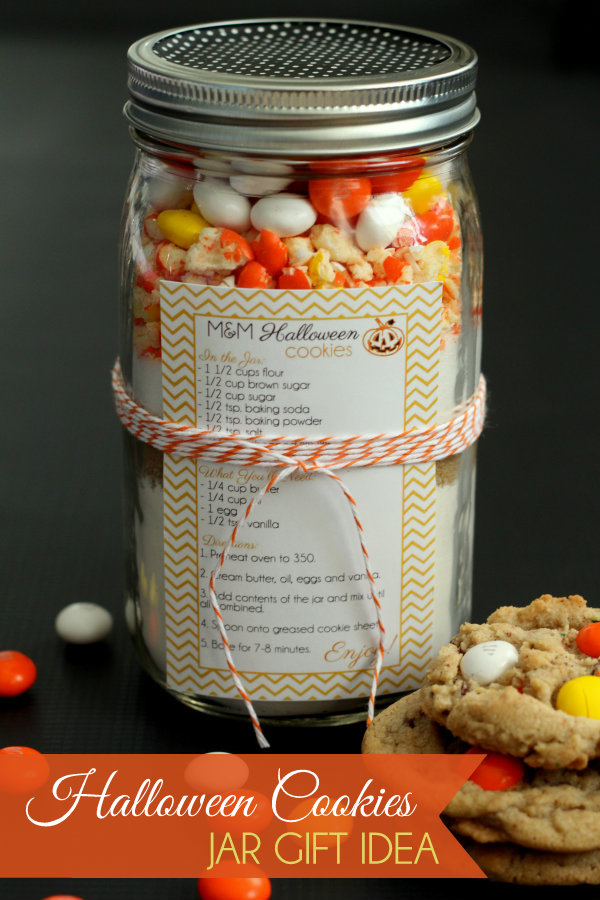 35 Halloween Mason Jars - Craft Ideas for Using Mason Jars for Halloween