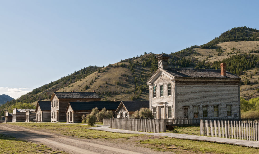 Abandoned ghost towns images for Abandoned neighborhoods in america