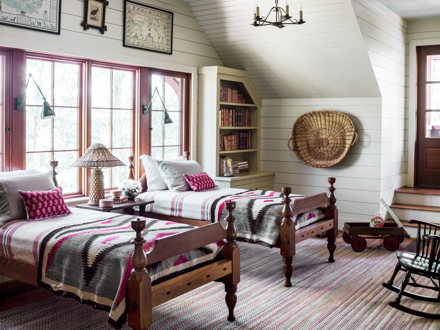 South carolina lake house cabin rustic and timeless cabin decorating ideas Lake house decorating ideas bedroom