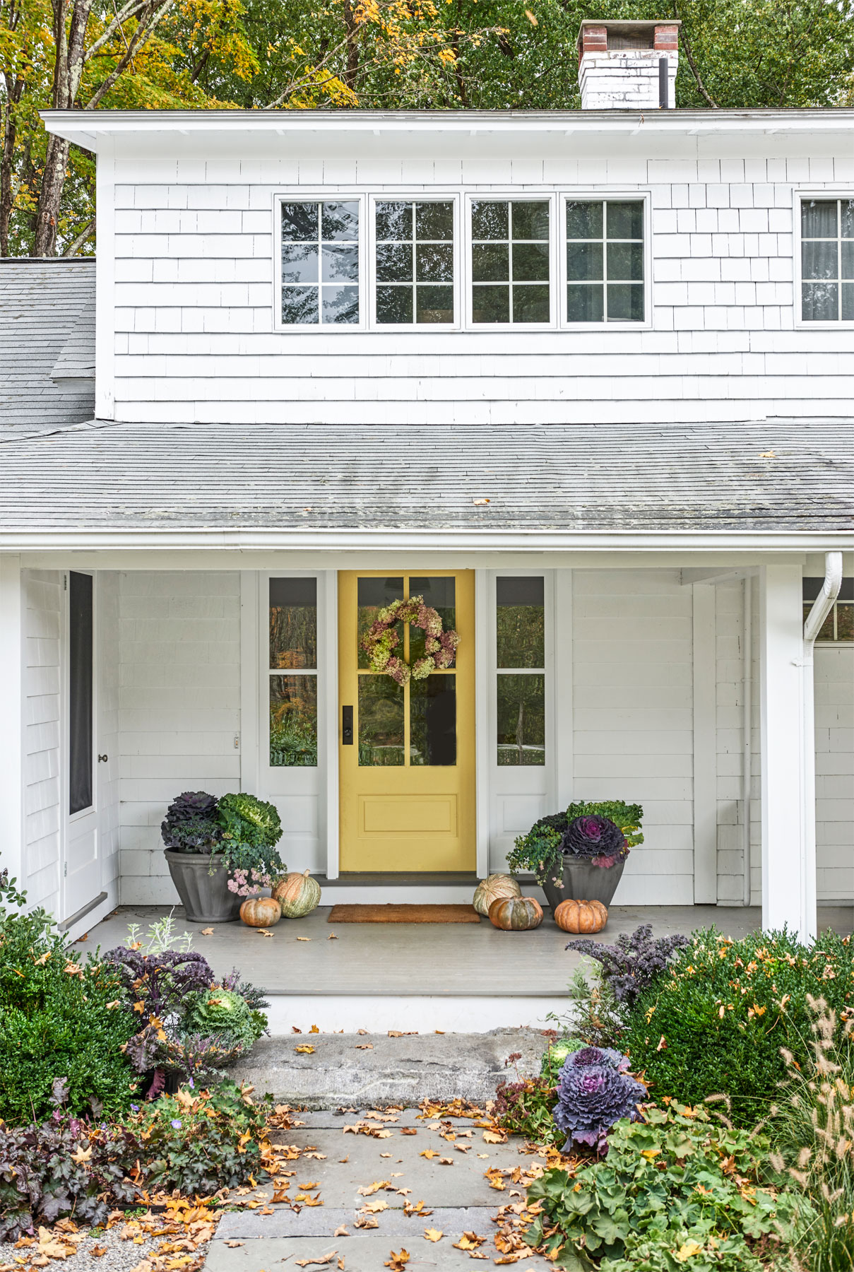 Exterior Meaning: Connecticut Farmhouse Decorating Style