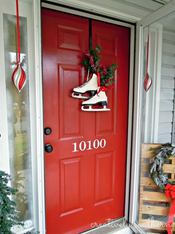 9 Diy Christmas Door Decorations Holiday Door Decorating