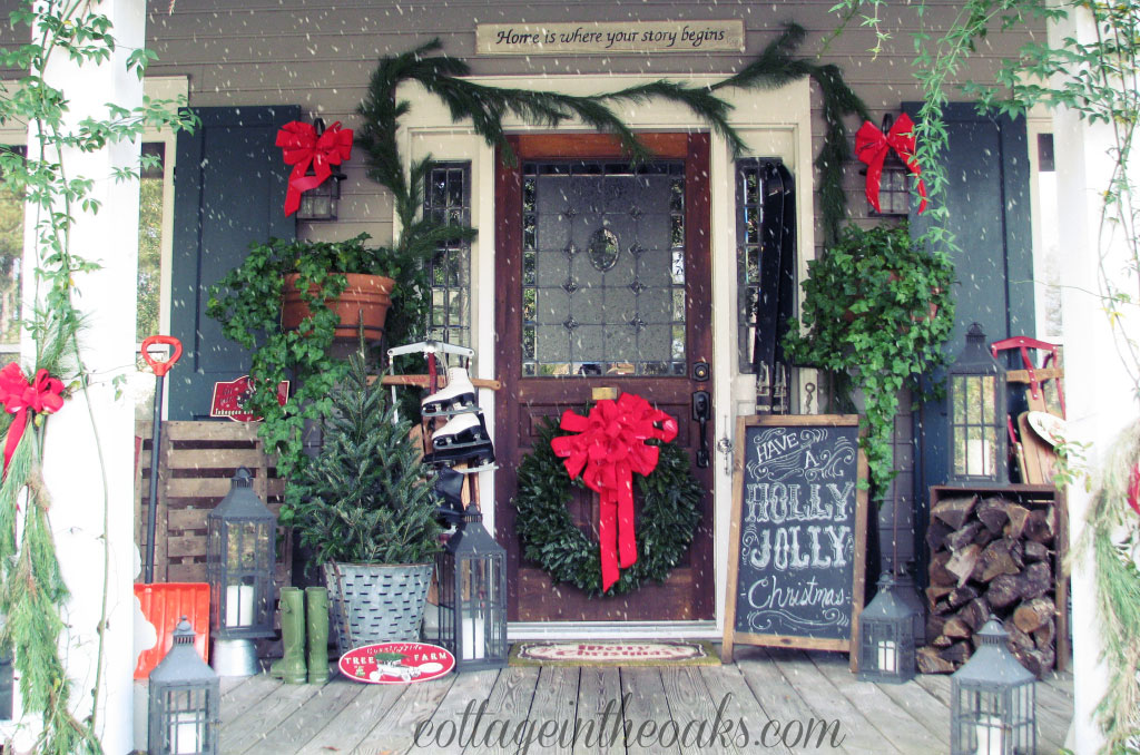 20 outdoor christmas decorations ideas for christmas for Easy front porch christmas decorations