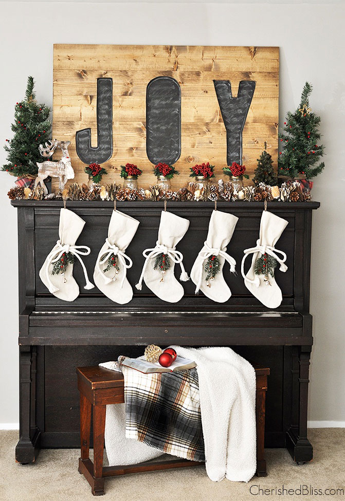 36 Christmas Mantel Decorations - Ideas for Holiday Fireplace ...