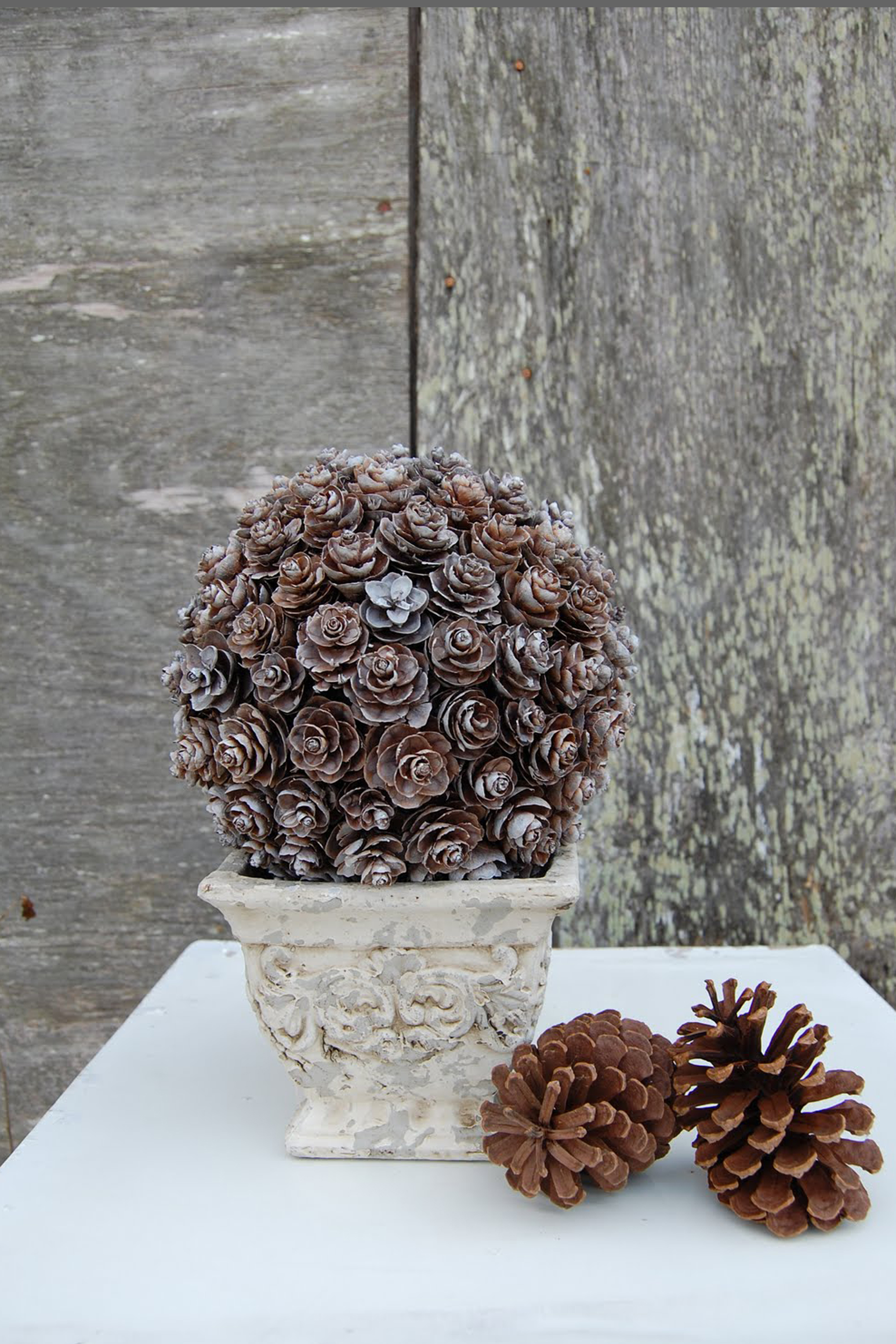 Images Of Holiday Decorations 21 holiday pine cone crafts - ideas for pinecone christmas decorations