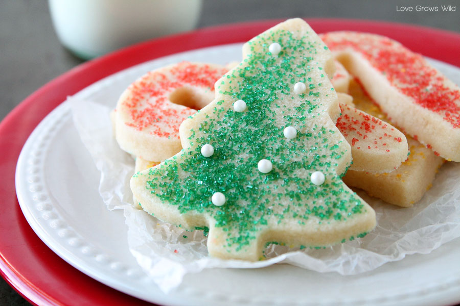 11 Easy Christmas Sugar Cookies - Recipes & Decorating ...