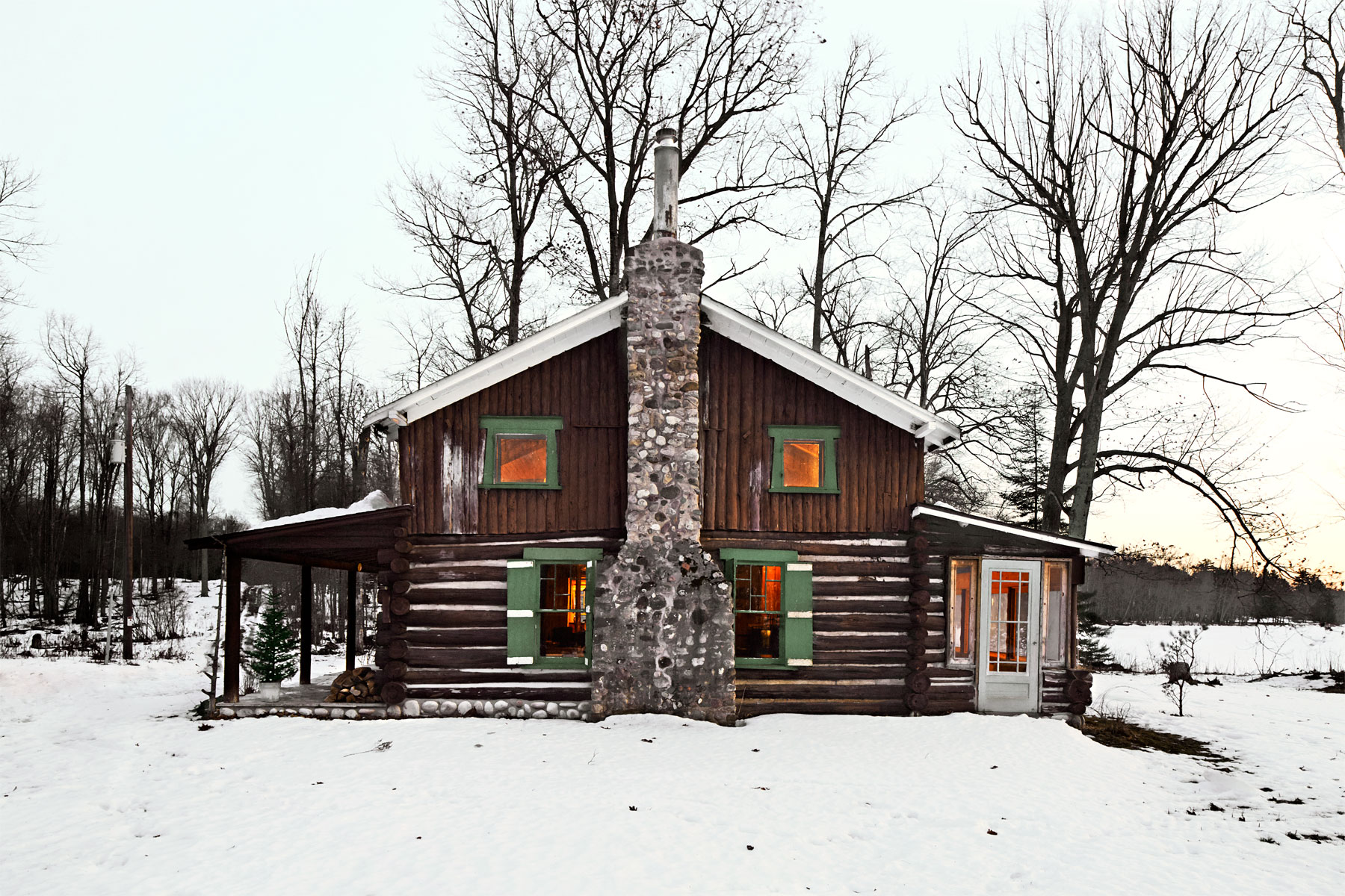 patrick mcguire christmas cabin christmas cabin. Black Bedroom Furniture Sets. Home Design Ideas
