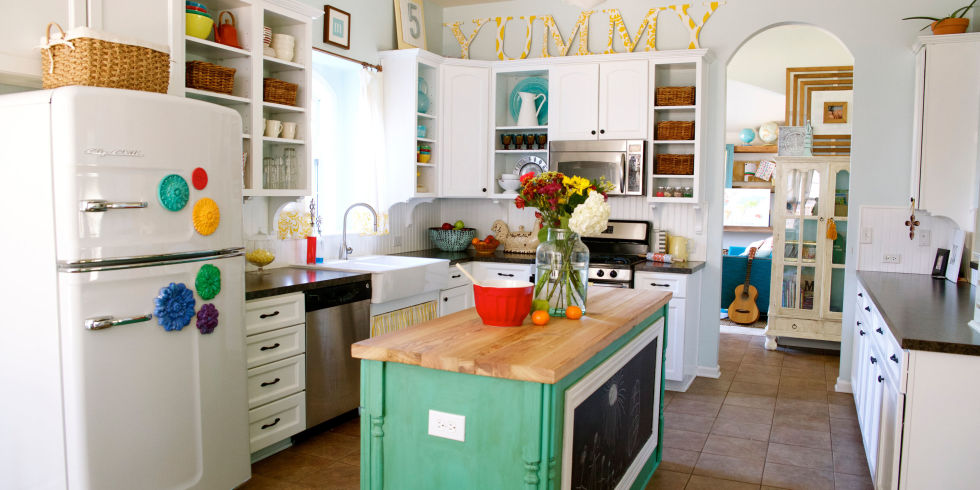 with their own four hands jamin and ashley mills transformed cookie cutter new construction into a colorful and eclectic farmhouse perfect for a modern - Modern Farmhouse Decor