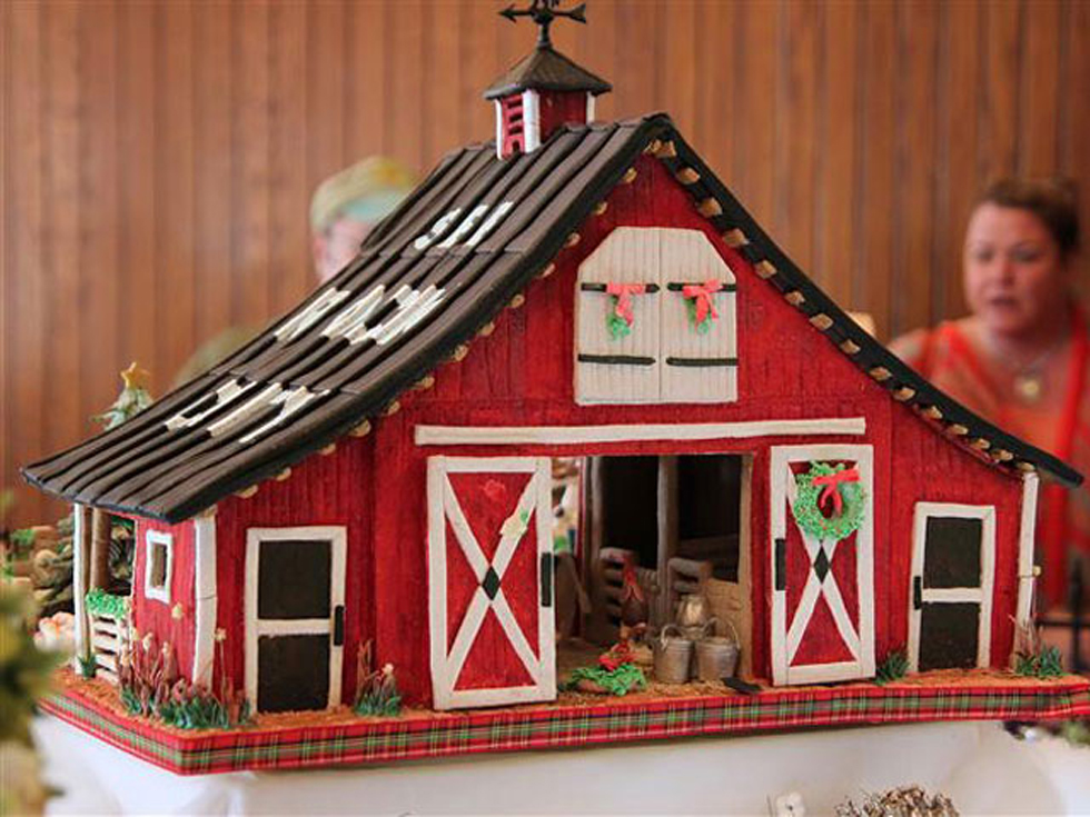 country-style gingerbread houses