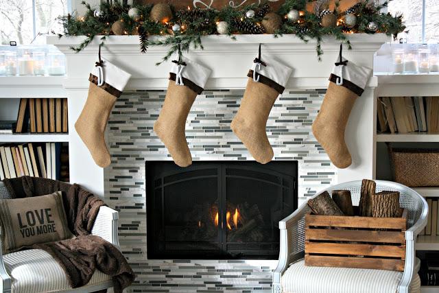 Die Einfachen, Aber Ganz Festlichen Weihnachtsstrümpfe Schaffen Eine Noch  Gemütlichere Stimmung In Deinem Wohnzimmer.