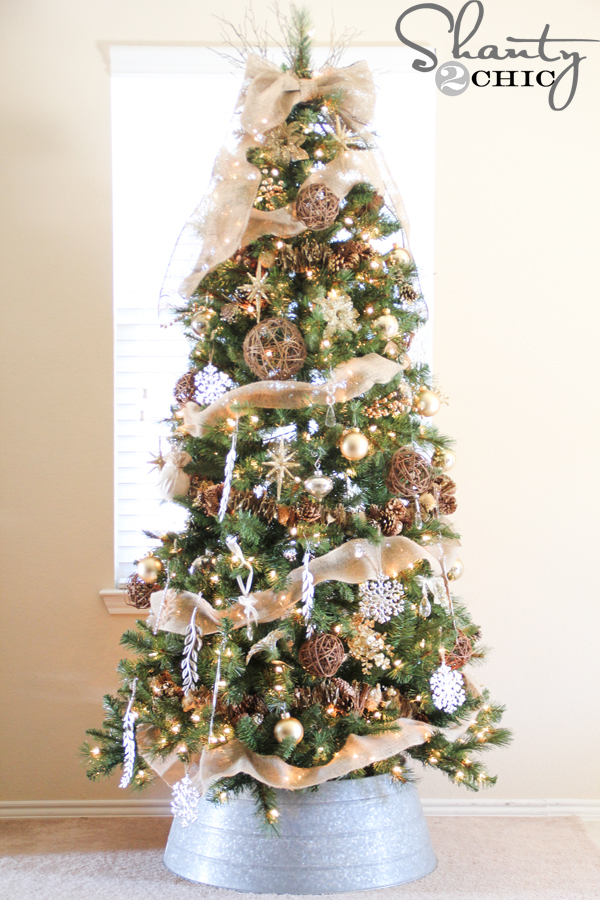 decorating with burlap for christmas