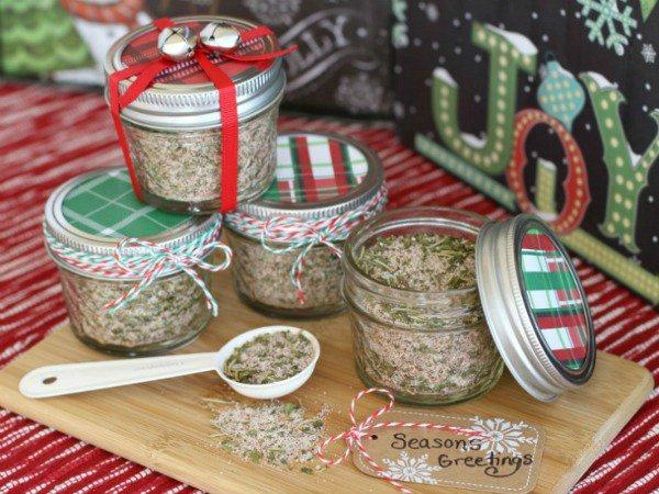 25 fun diy christmas gifts for neighbors inexpensive christmas seasonings greetings negle Images