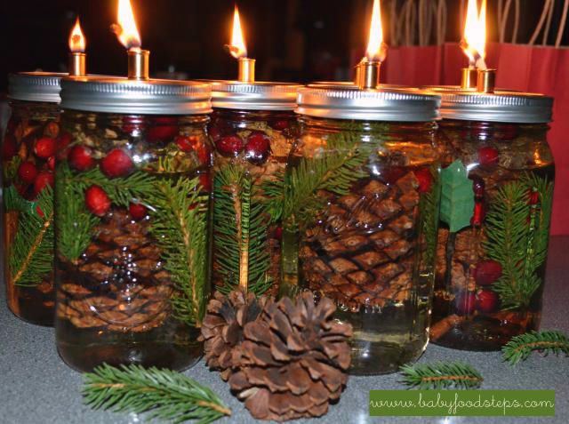 Is there anything you can't make with a Mason jar?! Now you can burn a candle filled with a few of your favorite Christmas scents.
