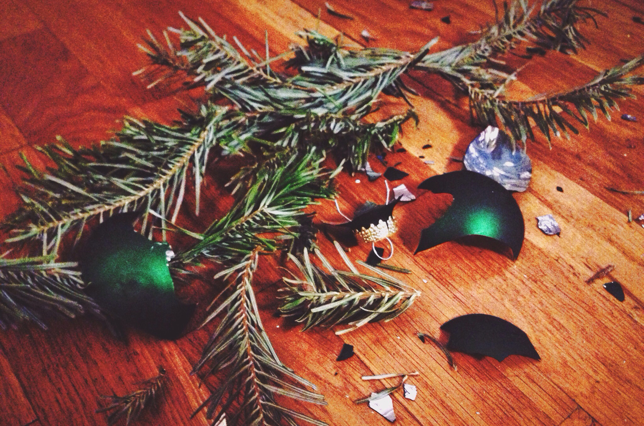 How To Reuse Christmas Decorations Things To Never Throw