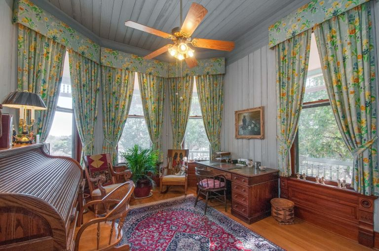 get ready to fall in love with this gigantic victorian home in texas - Victorian Home