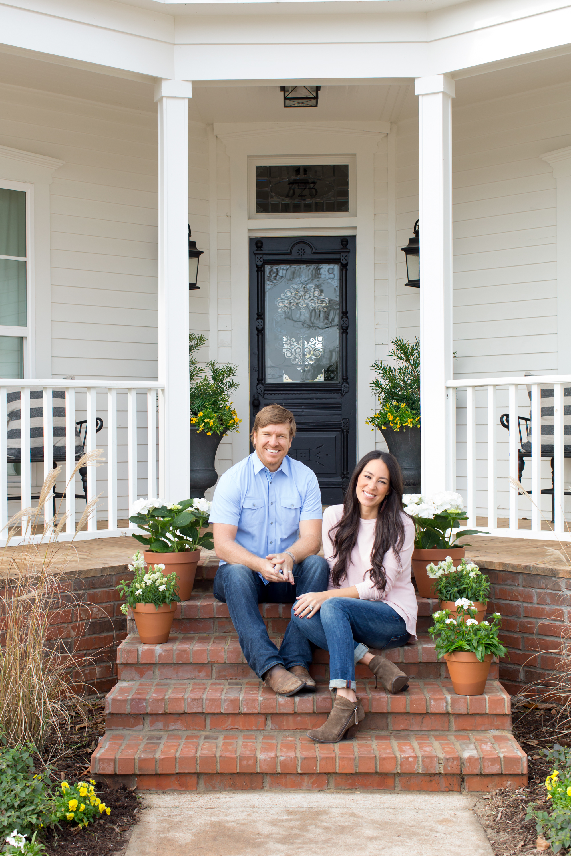 Chip and joanna gaines magnolia house b b tour fixer upper decorating inspiration - Magnolia bedding joanna gaines ...