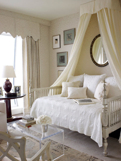 10 diy canopy beds bedroom and canopy decorating ideas for Canopy over bed