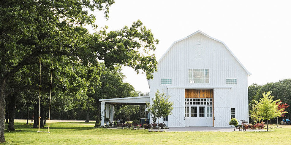 30 Charmingly Rustic Barn Wedding Venues