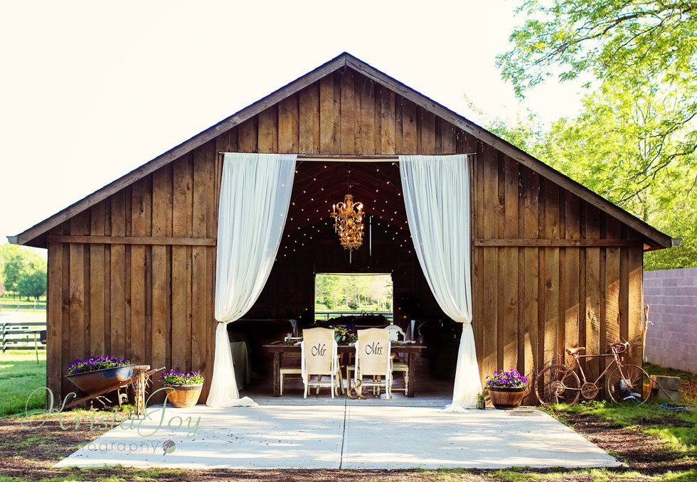 30 charmingly rustic barn wedding venues rustic wedding venues