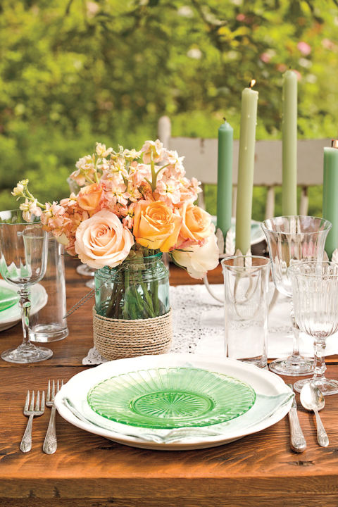 58 spring centerpieces and table decorations ideas for - Decoration table pour invites ...