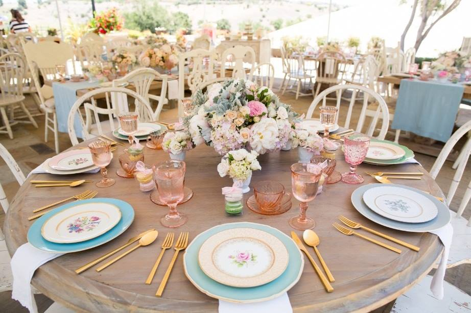 58 spring centerpieces and table decorations ideas for spring table settings - Spring Party Decorating Ideas