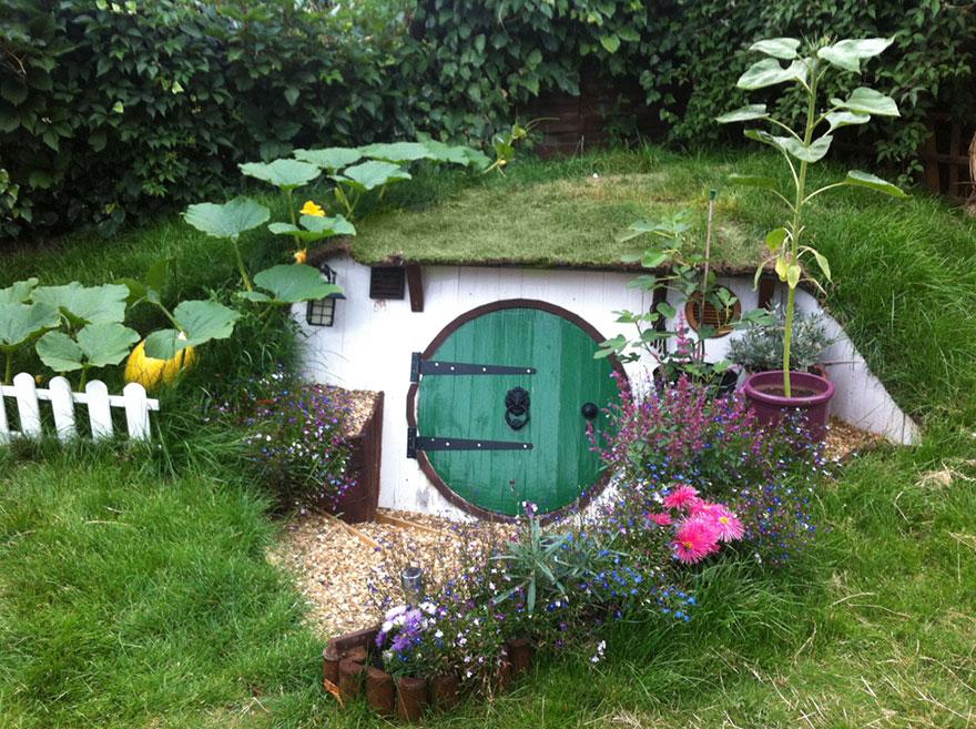 How To Built A Hobbit Hole Ashley Yeates
