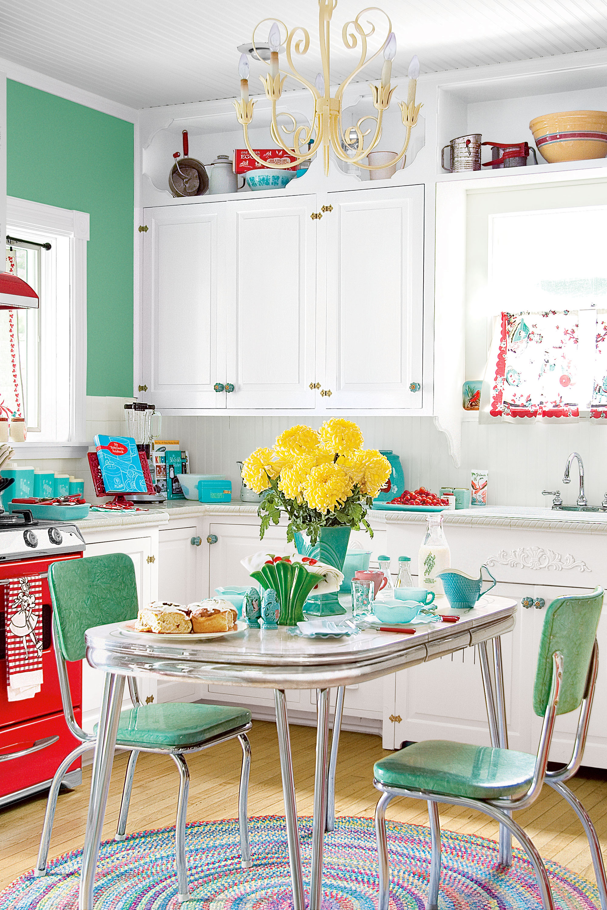 11 Retro Diner Decor Ideas for Your Kitchen - Vintage Kitchen Decor