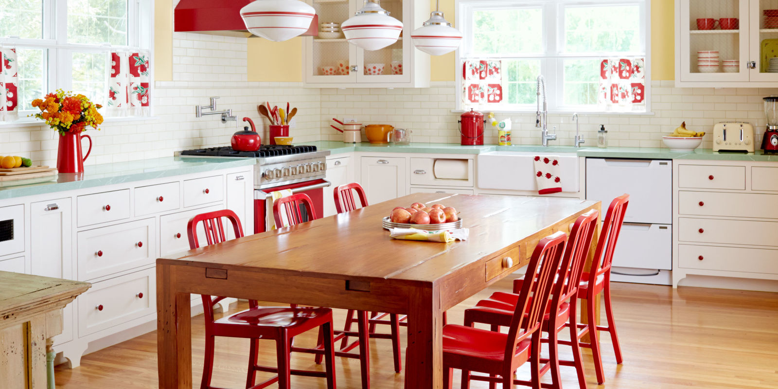 Retro kitchen kitchen decor ideas for Retro dekoration