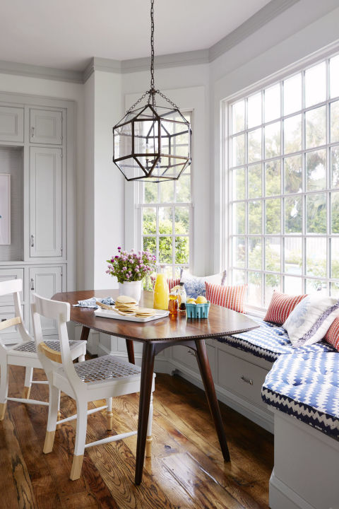 Awesome Breakfast Nook