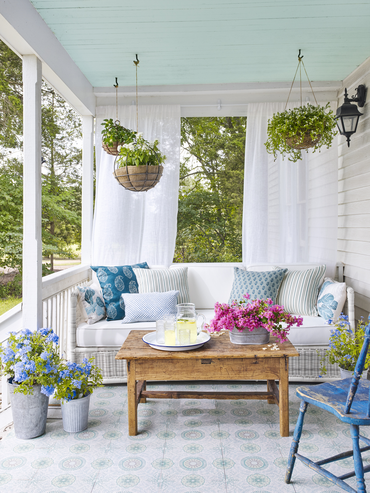 The art of porching front porch ideas - Indoor patio decorating ideas ...